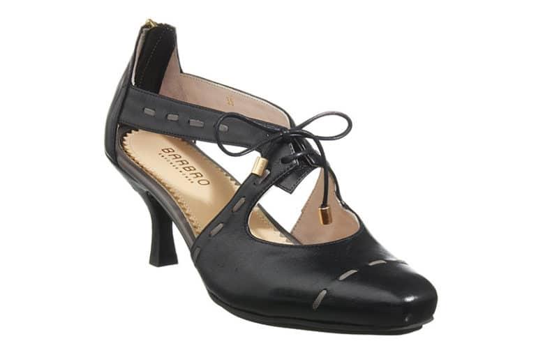 Sintra Pumps i sort med dekorative stikninger fra Barbro Shoes 1