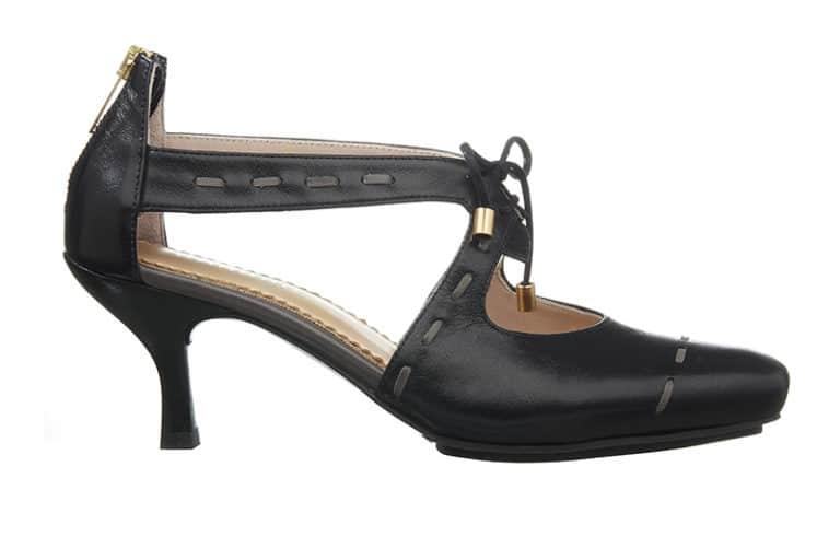 Sintra Pumps i sort med dekorative stikninger fra Barbro Shoes