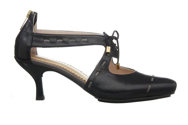 Sintra Pumps i sort med dekorative stikninger fra Barbro Shoes