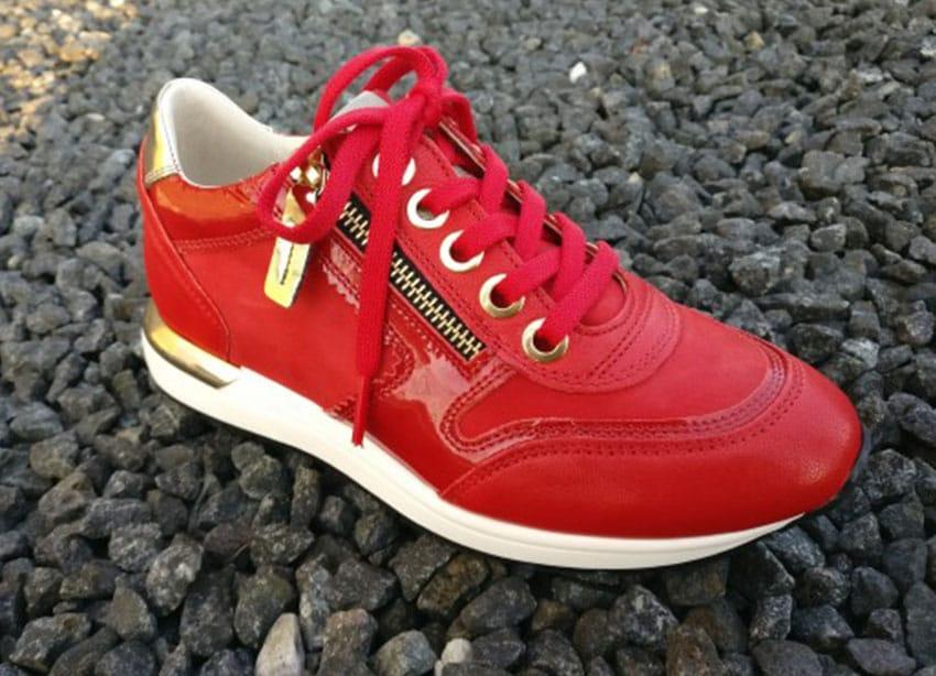 Sneakers DLSport Rødt med gulddetaljer